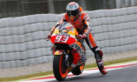 The Leg Dangle EXPLAINED – Why do Moto GP racers wave their leg when going into corners?